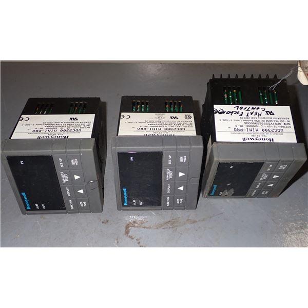 Lot of (3) Honeywell #UDC2300 Mini-Pro Controllers