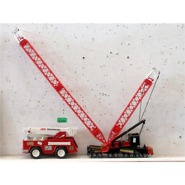 """Buddy L Snorkel Truck and 28"""" Tall Siku Crane"""