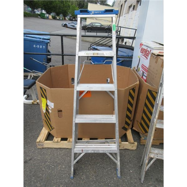 5 Foot Aluminum Step Ladder