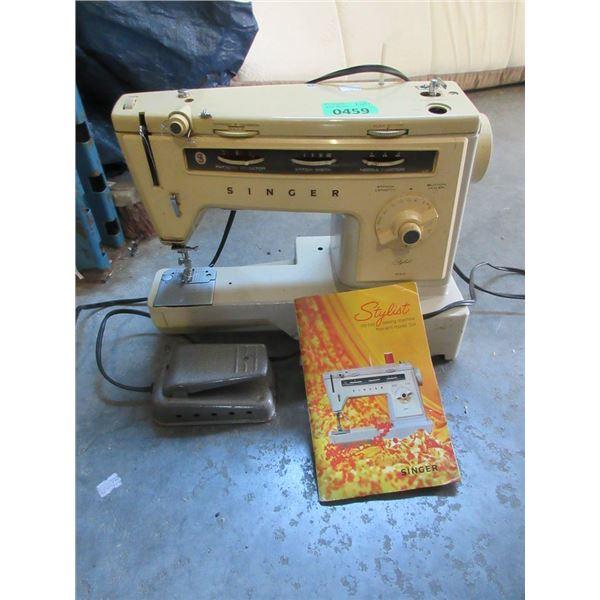 Vintage Singer Stylist Sewing Machine - Model 534