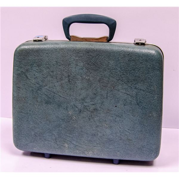 1960'S TRAVEL CARRY CASE