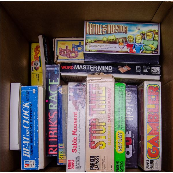 BOX OF ASSORTED VINTAGE BOARD GAMES AND PUZZLES