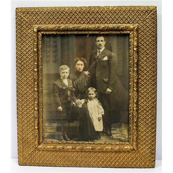 ANTIQUE ORNATE FRAMED FAMILY PORTRAIT LARGE