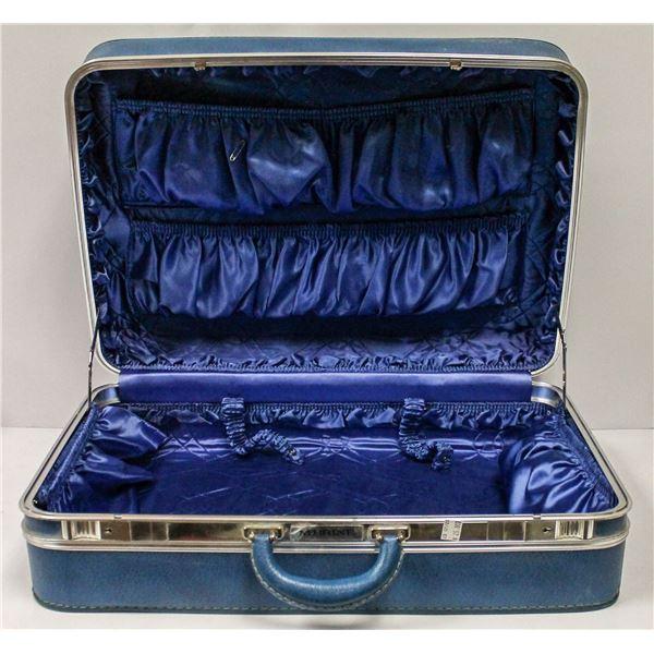 VINTAGE BLUE MCBRINE SUITCASE