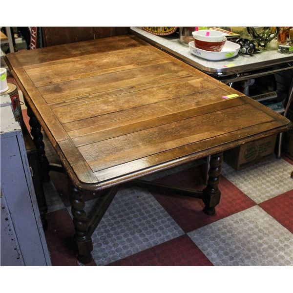 ANTIQUE SPINDLE LEG DINING ROOM TABLE