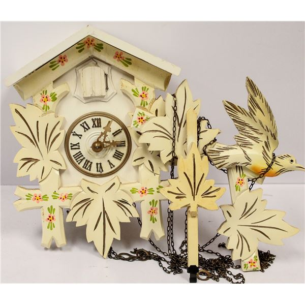 VINTAGE WHITE WOODEN COO COO CLOCK