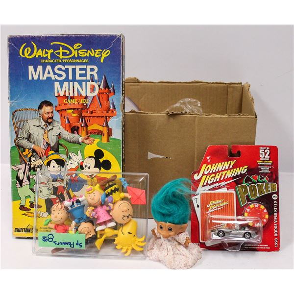 BOX OF ASSORTED VINTAGE TOYS AND COLLECTIBLES