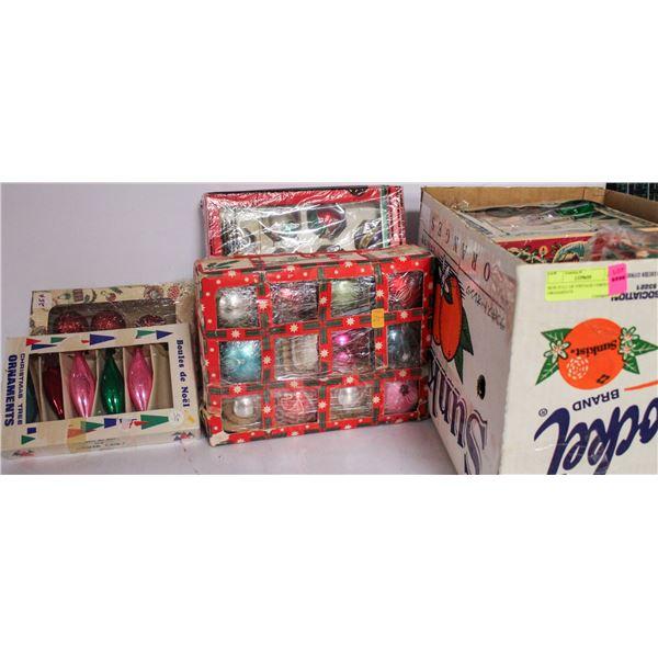 BOX FULL OF VINTAGE CHRISTMAS ORNAMENTS