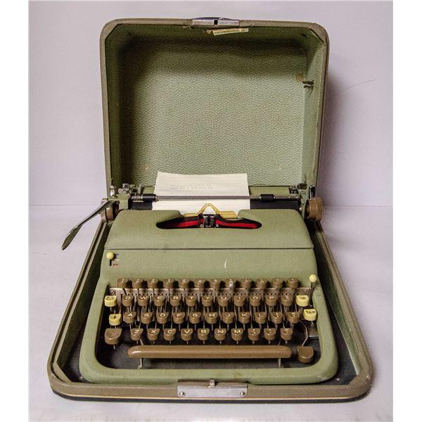 1950'S PORTABLE TYPEWRITER