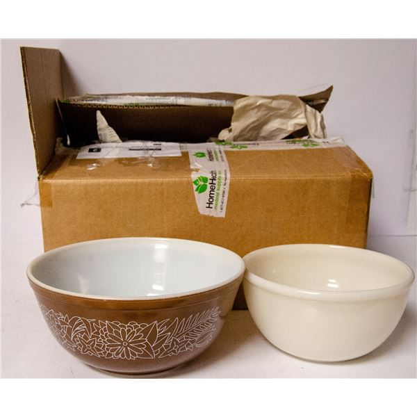 BOX OF ASSORTED VINTAGE PYREX BOWLS