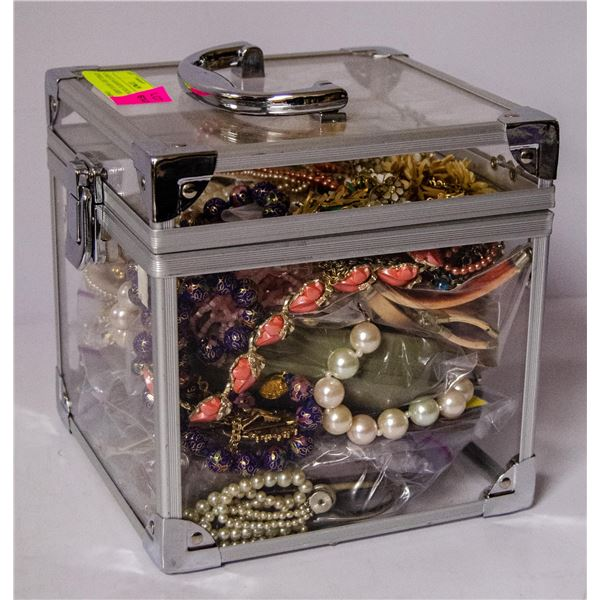 CASE OF ASSORTED VINTAGE JEWELLERY AND GLASSES