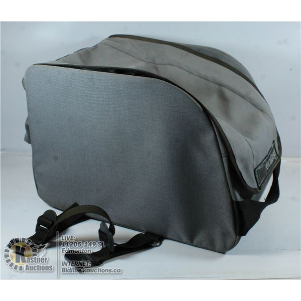 MOTORCYCLE TAIL PACK C/W RAIN COVER