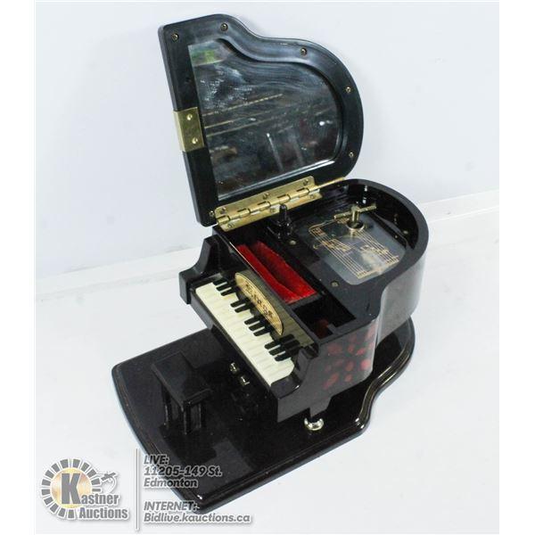 REGIN KINGS MUSICAL PIANO RING BOX