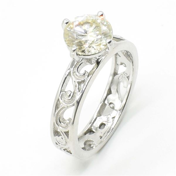 66TJ SILVER CIRTIFIED MOISSANITE (ROUND 7.50 MM) R
