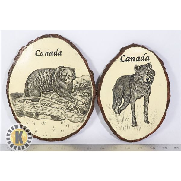 SET OF 2 WALL PLAQUES