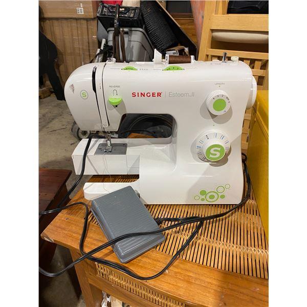Singer sewing machine Esteem ll