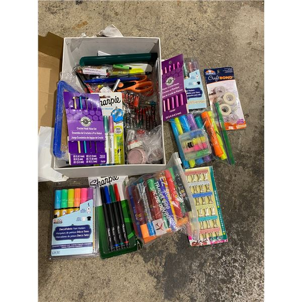 Lot art supplies and crafts