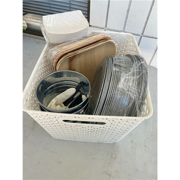 Basket platters trays and small pails and frie holders