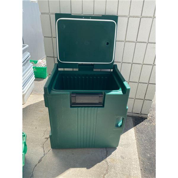 Storage box cambro