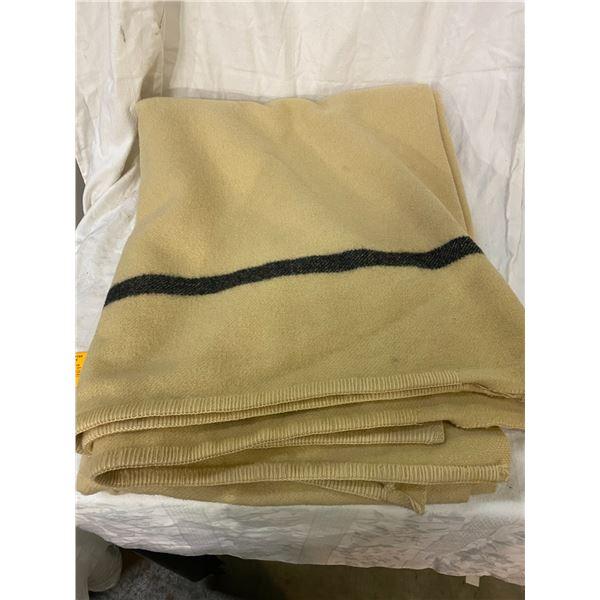 Wool blanket 1951 made in Quebec