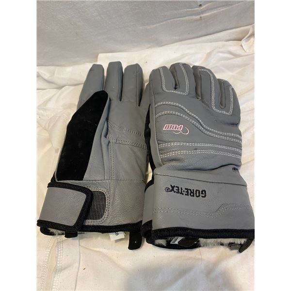 Gore-Tex small gloves