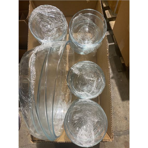 Lot of bowls and 3 glass plater dishes