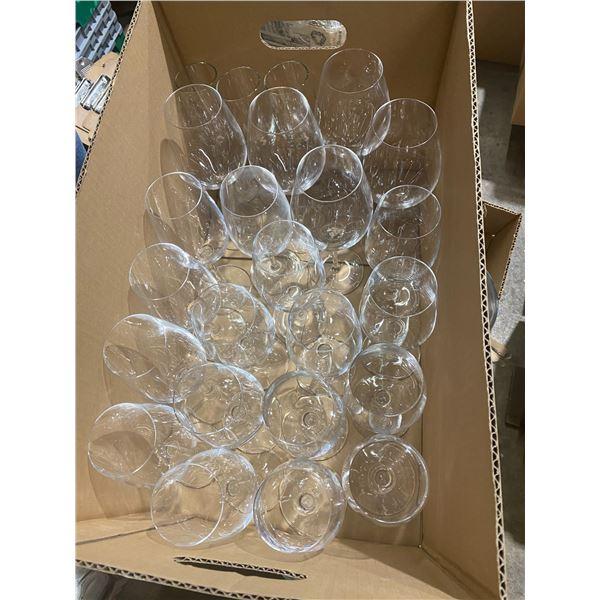 Lot wine glasses