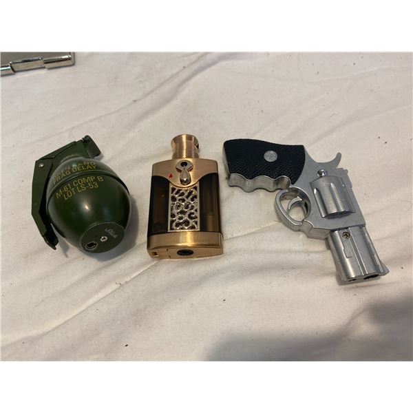 Lot 3 collectible lighters