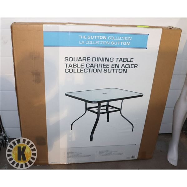 THE SUTTTON COLLECTION SQUARE DINING TABLE