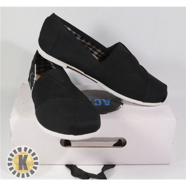 PAIR OF  ACTS  STANDARD SLIP ON SHOES- SIZE 7.5