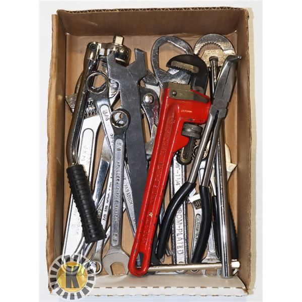 ESTATE BOX OF ASSORTED WRENCHES