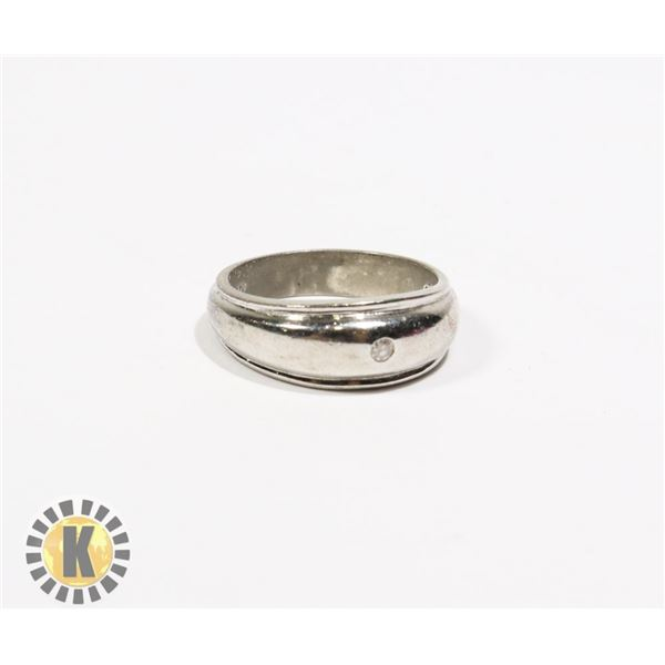 925-152 .925 SILVER BAND WITH SINGLE CRYSTAL RING