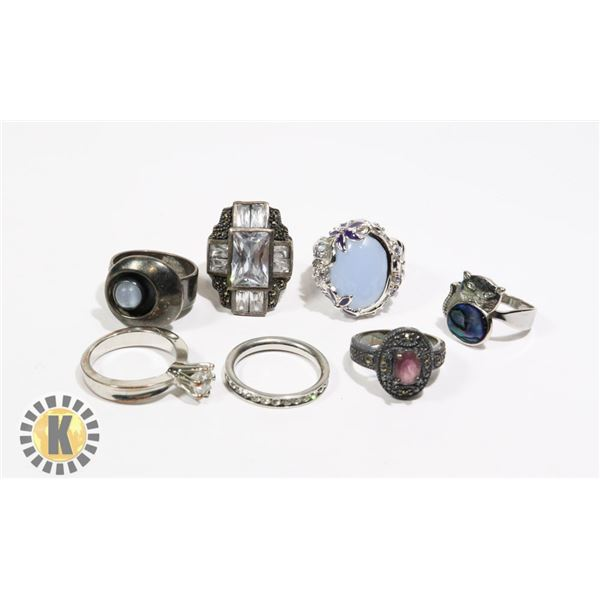 925-107 LOT OF ASSORTED FASHION RINGS
