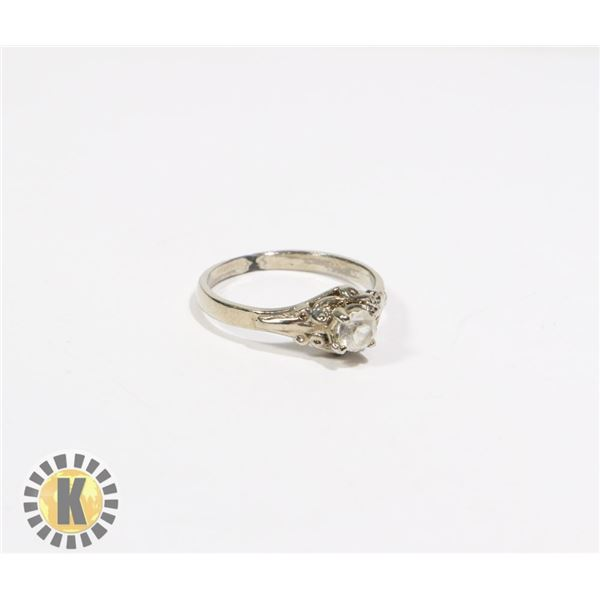 925-126 SILVER TONE W/ CENTER CRYSTAL RING