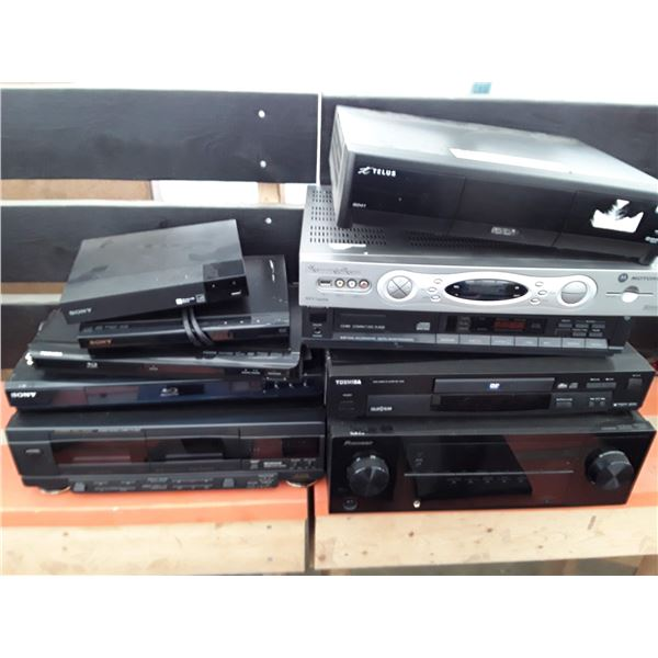 Lot of electronics Inc. blue ray player, receives cable boxes and more