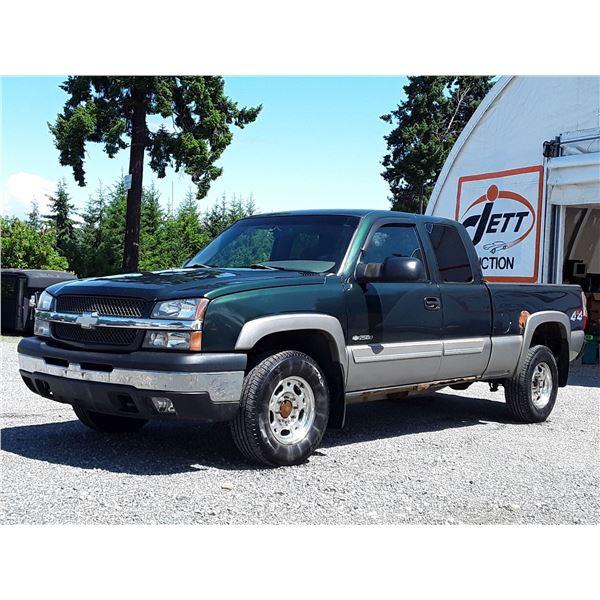 G2 --  2003 CHEVROLET SILVERADO 2500 CREW 4X4 , Green , 301547  KM's