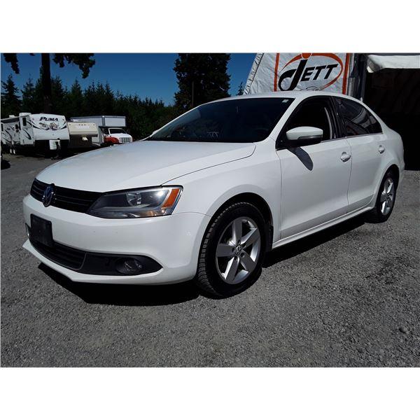 D1 --  2012 VW JETTA SE  , White , 275316  KM's