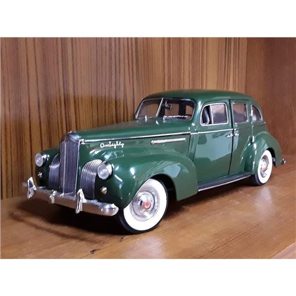 """Signature"" 1/18 Die Cast 1938 Packard"