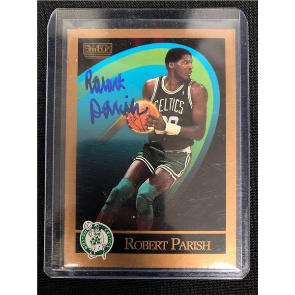 1990 SKYBOX BASKETBALL #20 ROBERT PARISH AUTOGRAPHED CARD