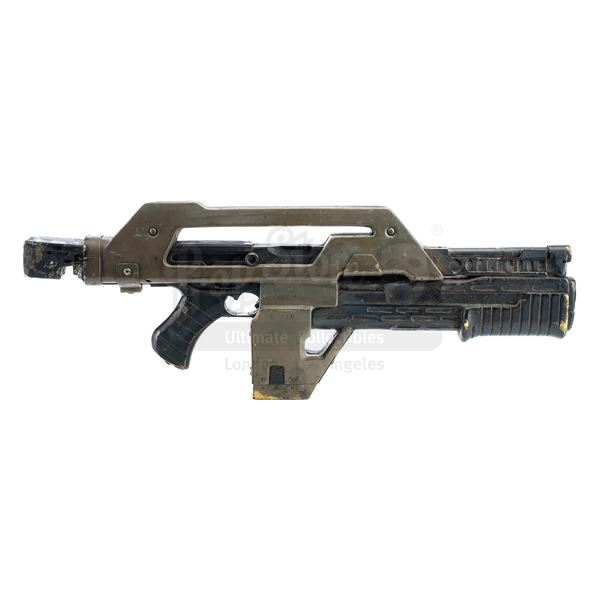 Lot # 7: ALIENS (1986) - Vasquez's (Jeanette Goldstein) Screen-Matched Lightweight M-41A Pulse Rifle