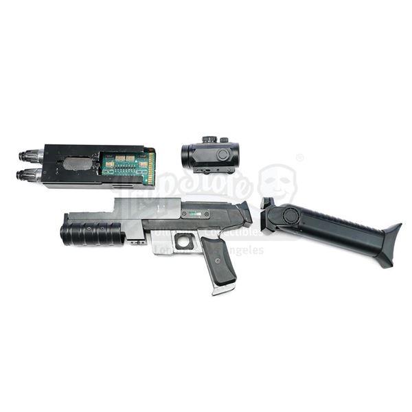 Lot # 169: LOST IN SPACE (1998) - Major Don West's (Matt LeBlanc) Transforming Assault Rifle