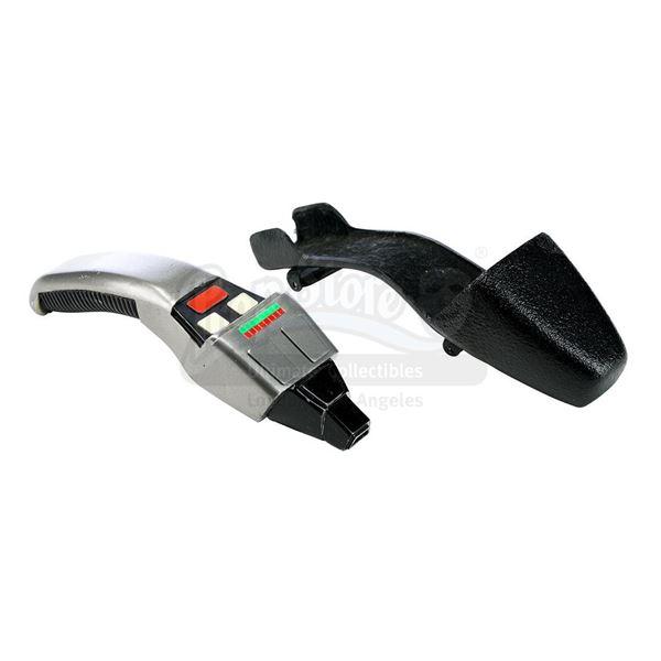 Lot # 248: STAR TREK: FIRST CONTACT (1996) - Type-2 Boomerang Phaser