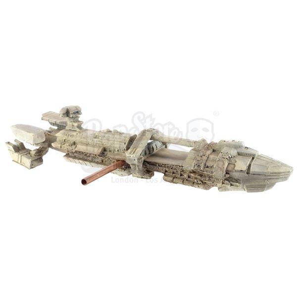 Lot # 349: STARSHIP TROOPERS (1997) - UCF Corvette Transport Model Miniature