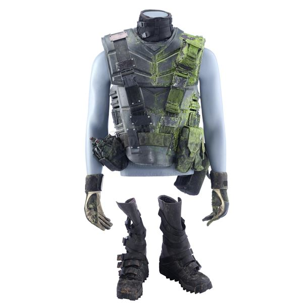 Lot # 352: STARSHIP TROOPERS (1997) - Sugar Watkins' (Seth Gilliam) Bloodied Mobile Infantry Armor