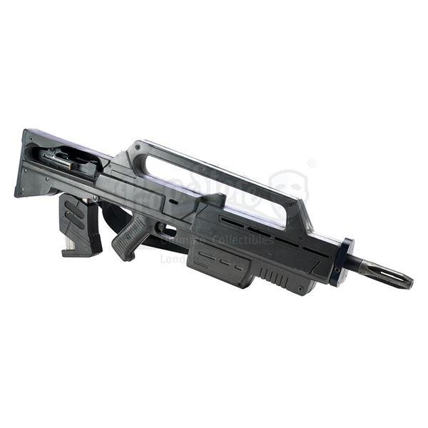 Lot # 353: STARSHIP TROOPERS (1997) - Zander Barcalow's (Patrick Muldoon) Morita MK I Carbine