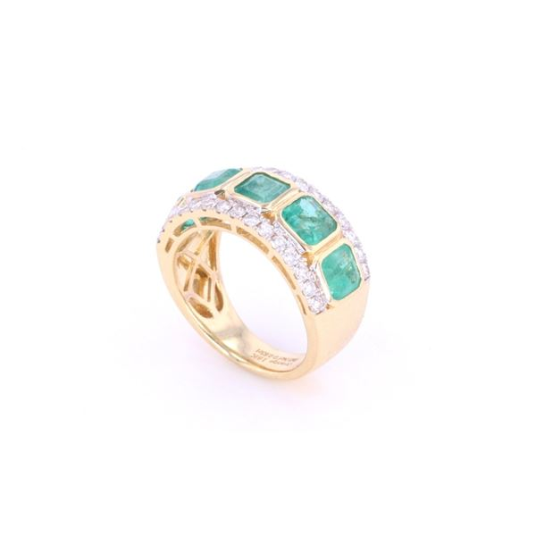 Vintage Emerald & VS2 Diamond 18k Yellow Gold Ring