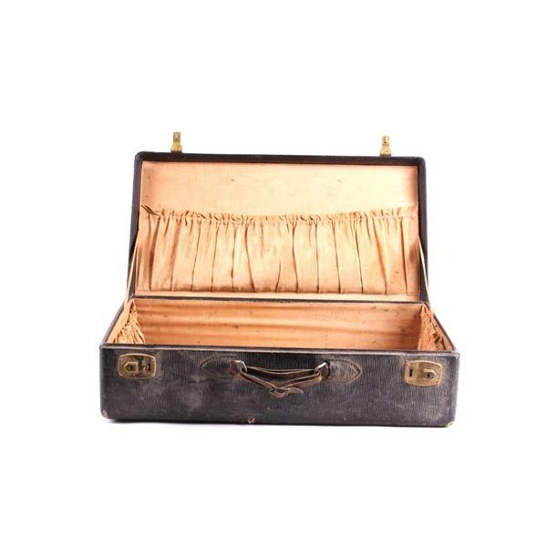 1930's Montana Hardback Travelers Suitcase