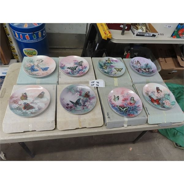 8 Collector Plates - Butterflies w Boxes