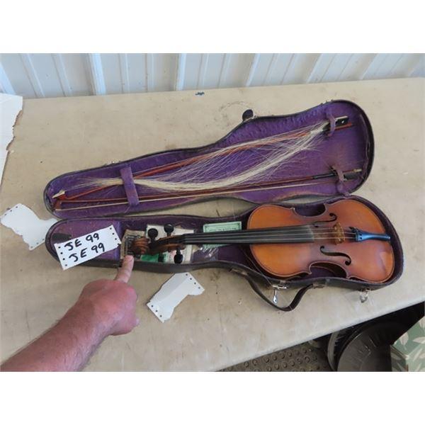 A Osmanek Violin w Case