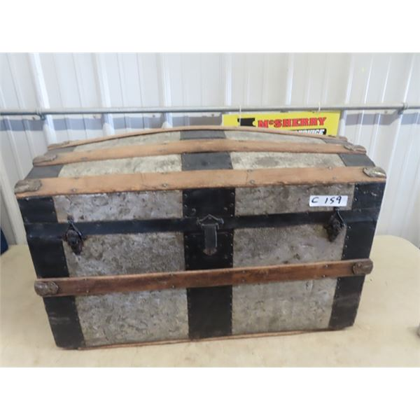 """Round Top Trunk Up to 20"""" H 33""""W 17""""D"""
